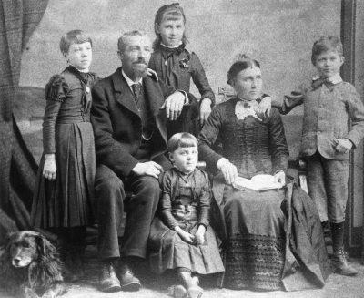 Mole Family 22 October 1890